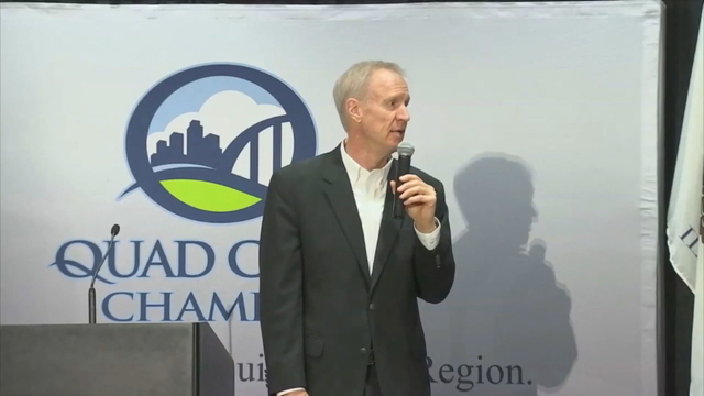 Rauner addresses possible AFSCME strike