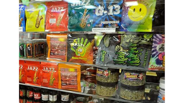 Synthetic pot leaves 2 dead, dozens injured in IL