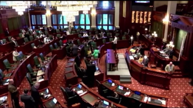 Lawmakers vote in favor of state workers
